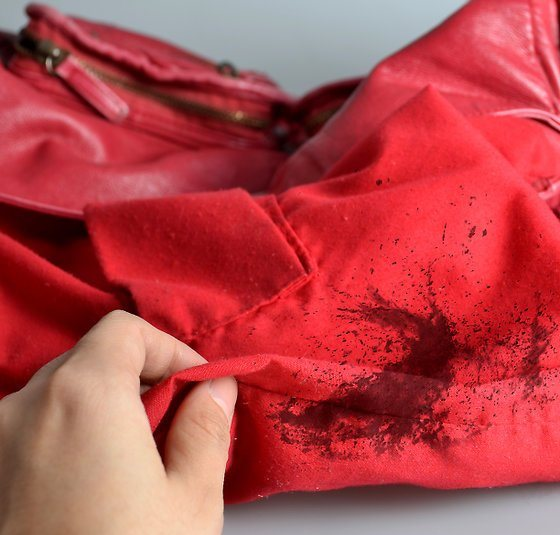 Home Hacks To Remove Makeup Stains From Purse Lining